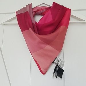 NWT BR silk scarf made in italy